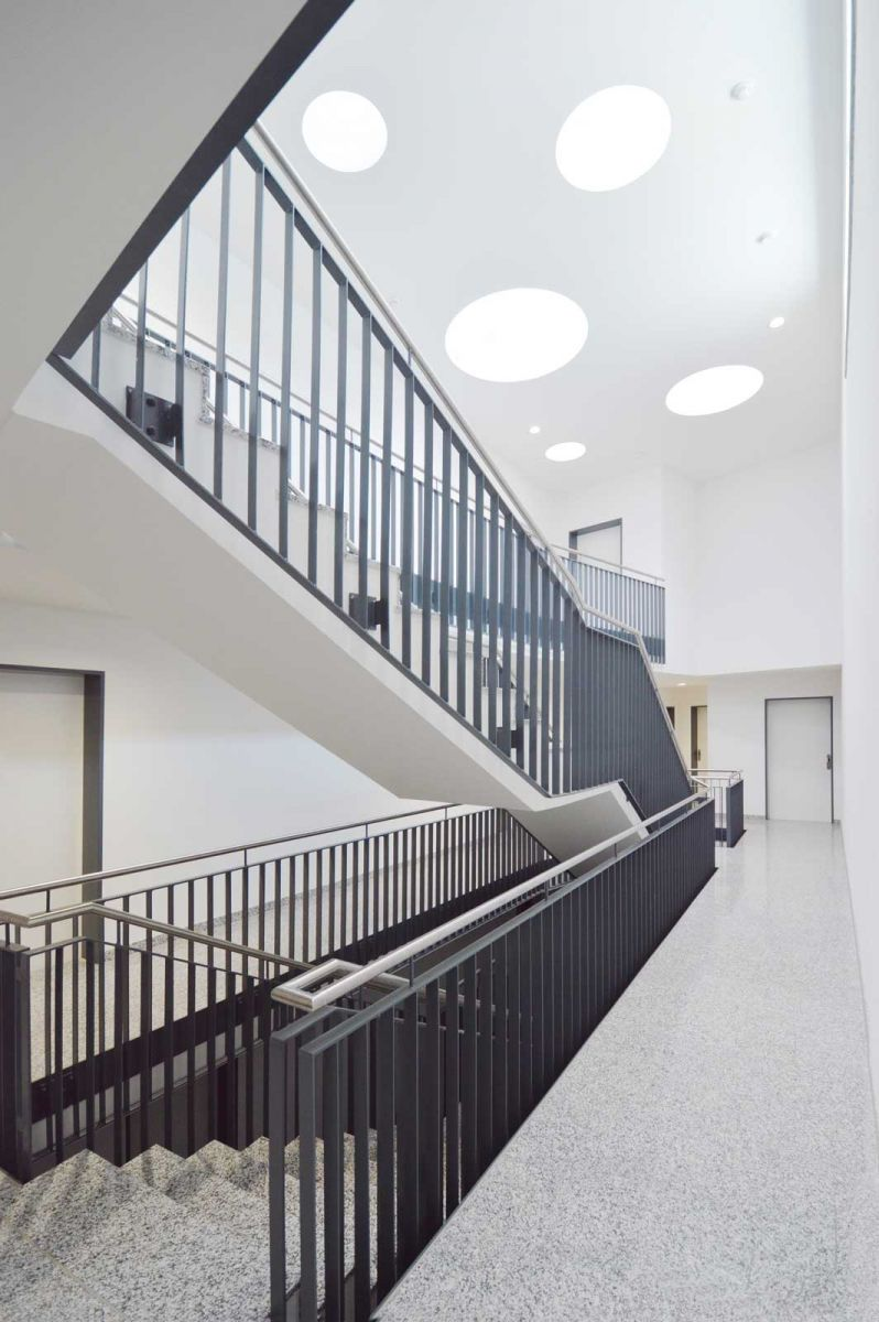 neubau mehrfamilienhaus in efringen kirchen architekturb ro herzog. Black Bedroom Furniture Sets. Home Design Ideas